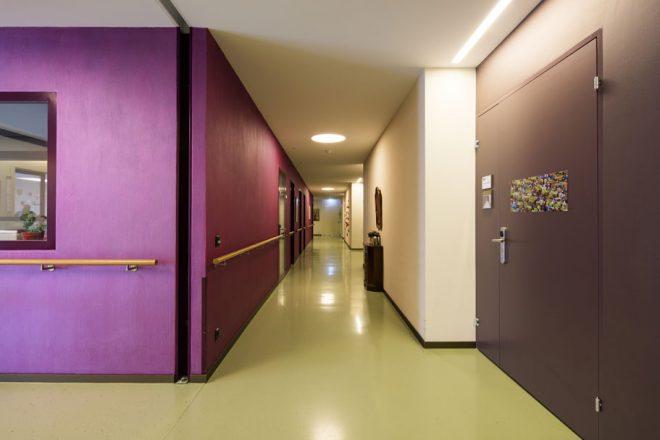 Farbkonzept in der Demenzabteilung, Lindenpark Hünenberg