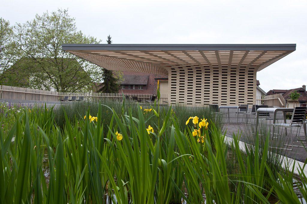 Zug, Pavillon bei Parkhaus