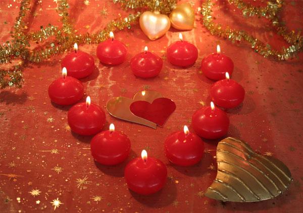 Weihnachtskarte, rote Herzkerzen