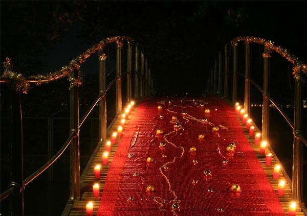 Brücke im Villettepark Cham schön geschmückt mit Kerzen