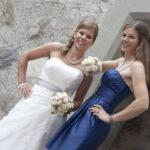 Hochzeit Barbara und Tobias, ein cooles Duo - Braut und Brautführerin
