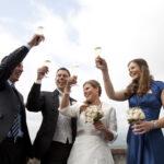 Hochzeit Barbara und Tobias, fröhliches Anstossen zu viert