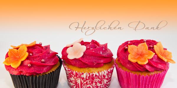 """Drei Muffins pink-orange, Text """"Herzlichen Dank"""""""