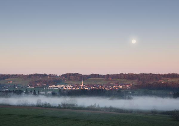 Blick von Hünenberg Weinrebenkapelle auf Oberüti AG