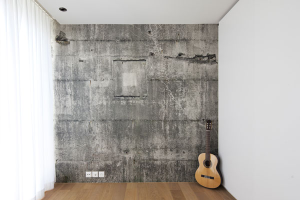 Fertig tapezierte Wand