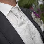 Hochzeit Nicole & Matthias, schicker Anzug des Bräutigams